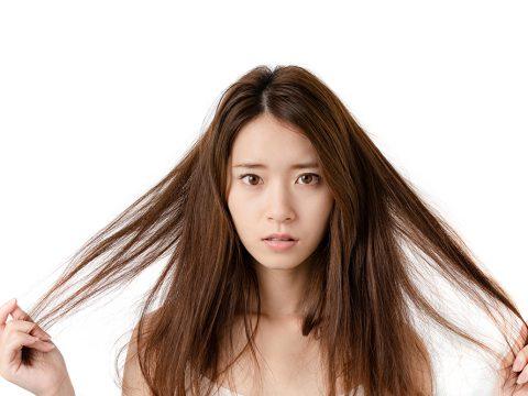 産後の抜け毛や薄毛の改善方法は?原因やいつまで続くのかなどを解説